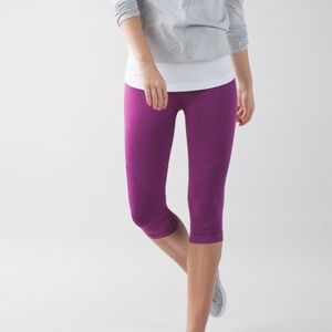 Brand New with Tags Lululemon In The Flow Crop 6